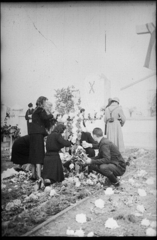 Homenaje a caídos Cementerio de Rivas Archivo Regional Colección Santos Yubero