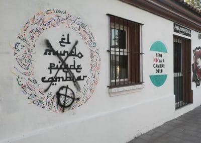 Pintadas nazis en la Casa de Asociaciones del Casco Urbano de Rivas (©Diario de Rivas)