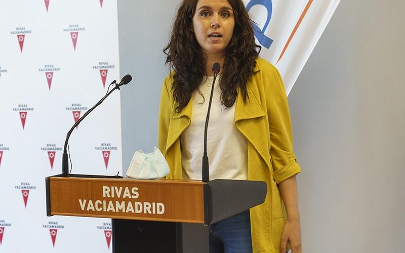 Mónica Carazo, concejala de Deportes, durante la inauguración del Centro Deportivo Supera Rivas La Luna