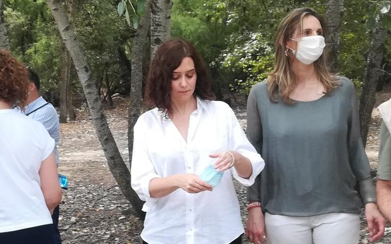 Madrid impone la mascarilla obligatoria y limita las reuniones a 10 personas