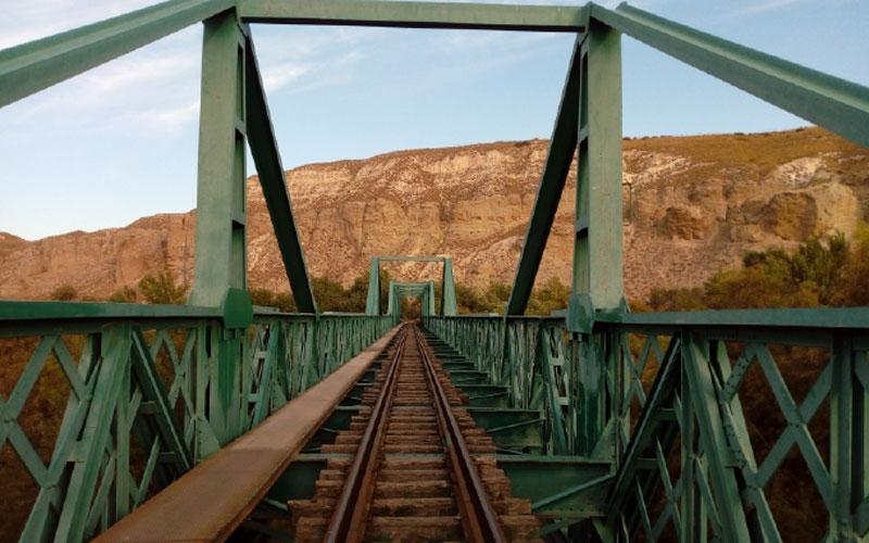 Puente ferroviario entre Rivas y La Poveda (Arganda)