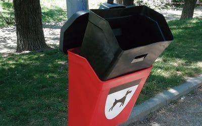 El Ayuntamiento renueva las papeleras caninas en 60 puntos de la ciudad
