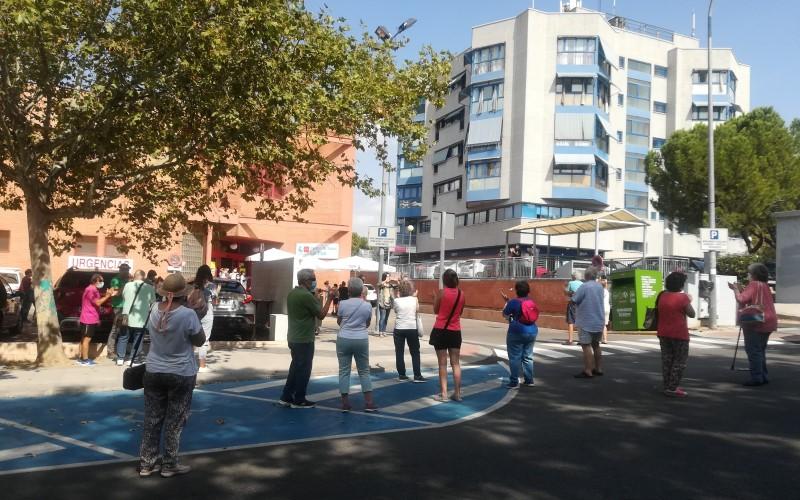 Concentración frente al Centro de Salud La Paz de Rivas Vaciamadrid, este martes