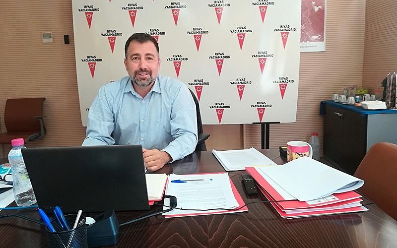 Pedro del Cura: «La principal ayuda a las empresas de Rivas no la da el Ayuntamiento, sino la ciudadanía»