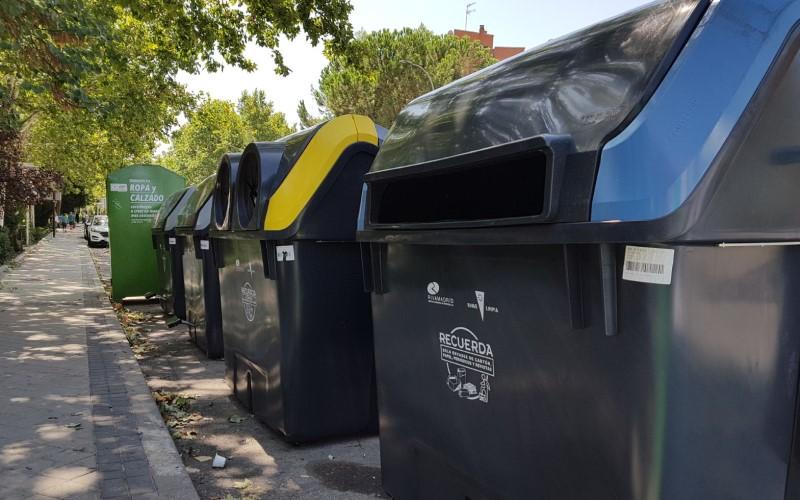 Contenedores de recogida de residuos de Rivamadrid