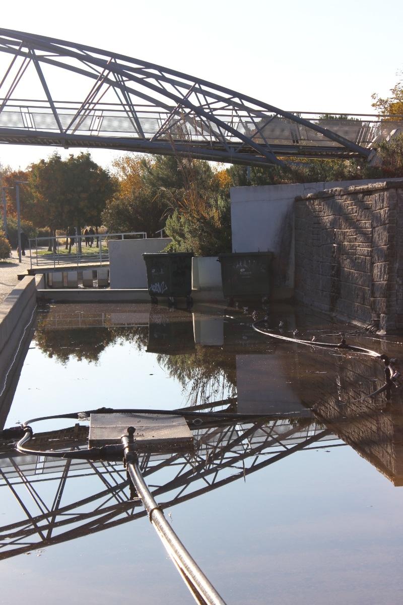 contenedores estanque parque lineal