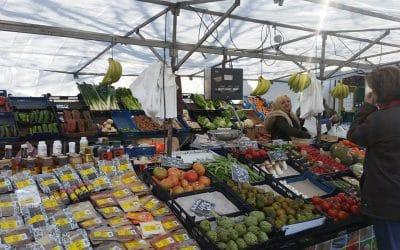 """Los comerciantes ambulantes solicitan al Ayuntamiento de Rivas que reabra el mercadillo de los sábados: """"La situación es insostenible"""""""
