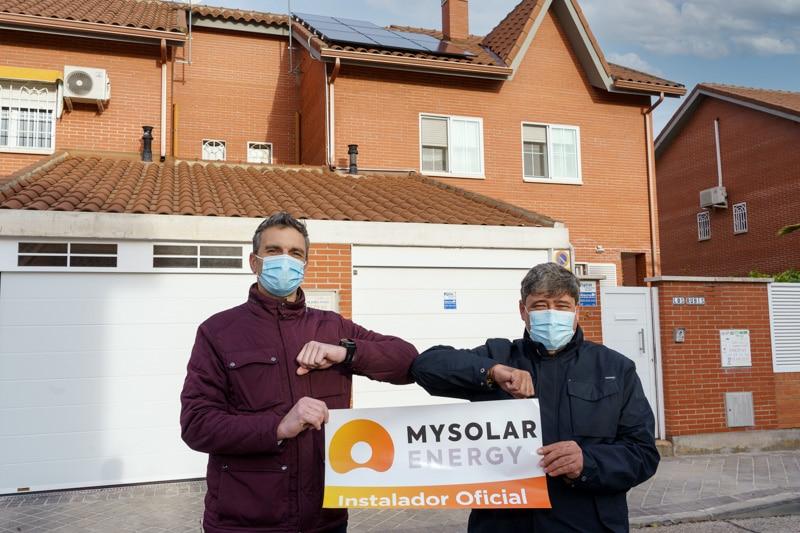 Antonio Antón, responsable de Energía Fotovoltaica de Saltoki, y José Urbina, fundador de Urbi Solar