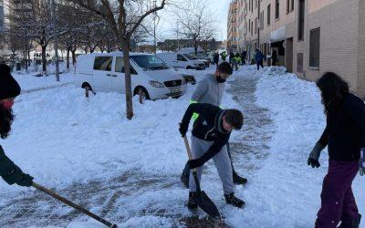 Colaboración ciudadana para limpiar la nieve: ¿qué dice la ordenanza de Rivas Vaciamadrid?