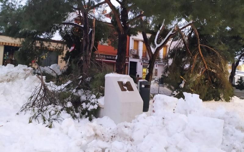 La plaza de la Libertad, en Rivas Vaciamadrid pueblo, bajo la nieve