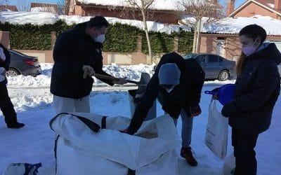Rivas cambia los puntos de distribución de sal a los colegios públicos de la ciudad