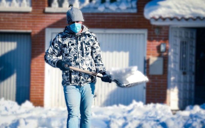 El Ayuntamiento de Rivas repartirá 350 palas entre las personas voluntarias para despejar de nieve la ciudad