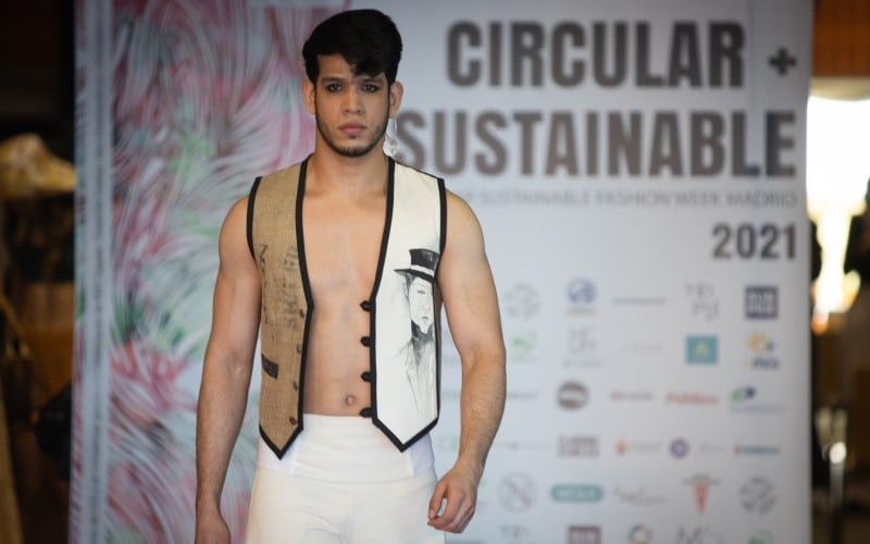 'Pasarela 17', desfile de la Circular Sustainable Fashion Week de Madrid, celebrada en Rivas Vaciamadrid