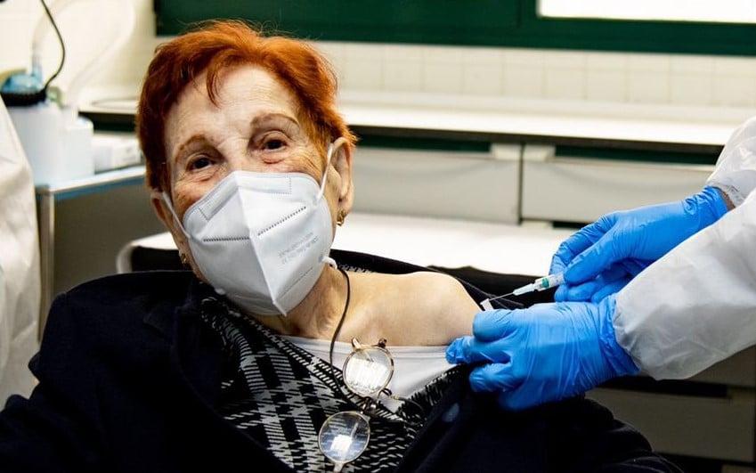 Vacunación contra el Covid-19 de mayores de 80 años en Rivas Vaciamadrid