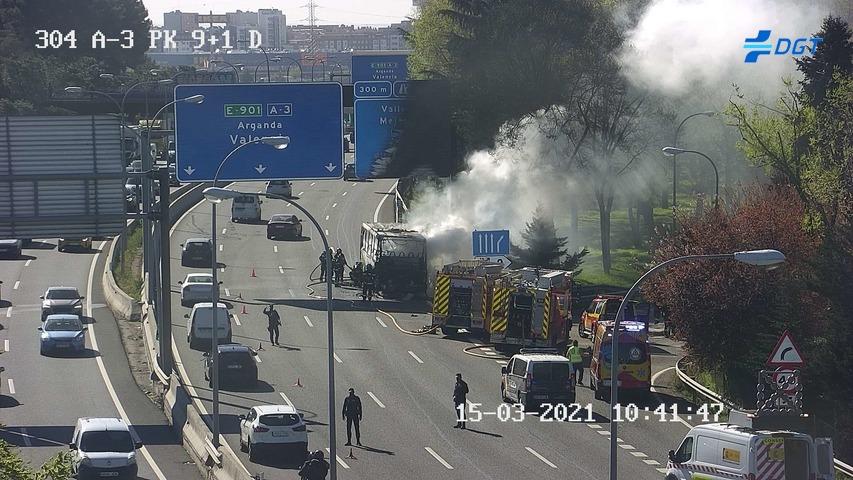 Arde un autobús sin provocar heridos en el kilómetro 9 de la A-3