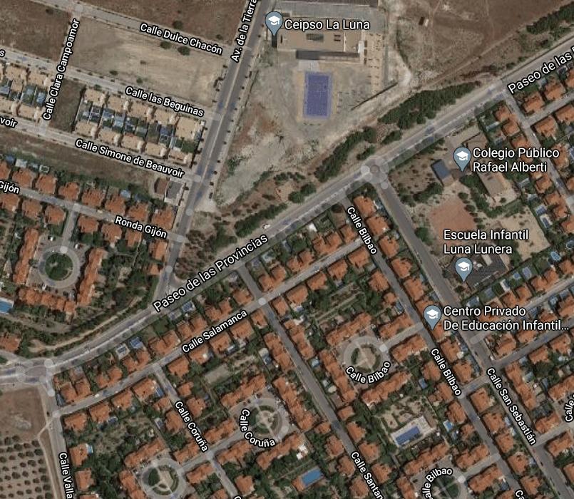 Imagen aérea del cruce de la avenida de la Tierra con el paseo de las Provincias