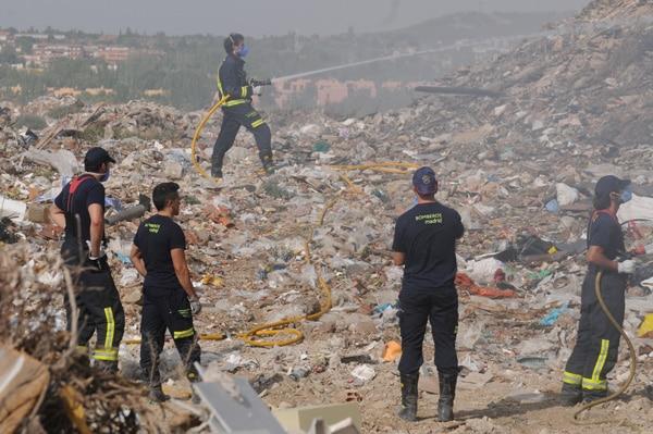 Los testigos relatan ante el juez los problemas de salud que el incendio del vertedero ilegal de la A-3 provocó a miles de personas en Rivas