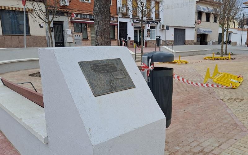 Plana en honor a Jesús Sánchez, víctima de ETA, en el pueblo de Rivas Vaciamadrid