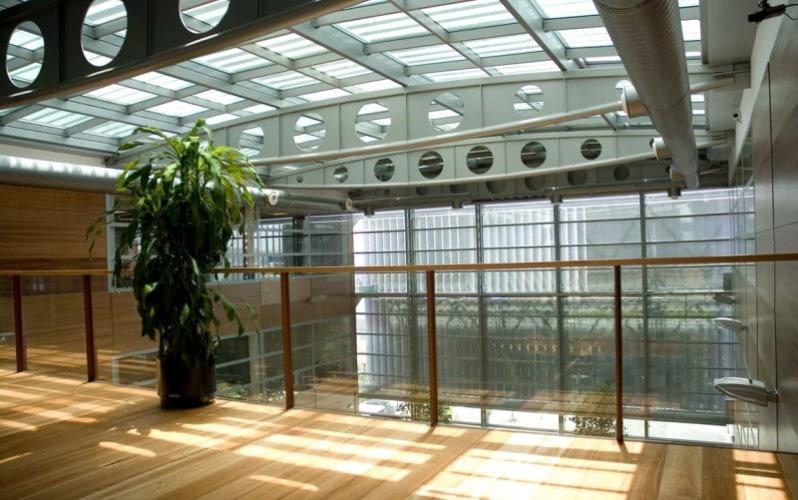 Patio interior del Edificio Atrio, en Rivas Vaciamadrid