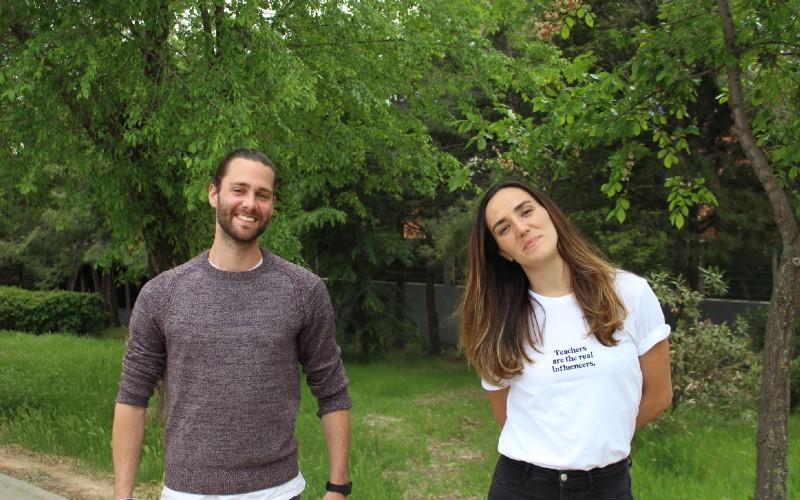 El reto solidario de Nieves y Jaime, profesor del CEIP Victoria Kent de Rivas, a favor de la investigación contra el cáncer infantil