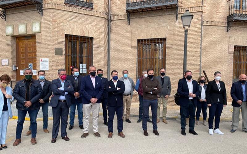 Alcaldes y alcaldesas del sureste, en la presentación del circuito de velocidad de Morata (foto: @Diario de Arganda / Diario de Rivas)