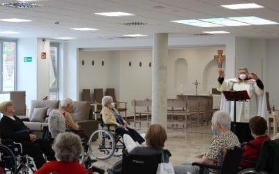 La capilla de Geriasa Rivas ya está bendecida: el centro para mayores acoge su primer oficio religioso
