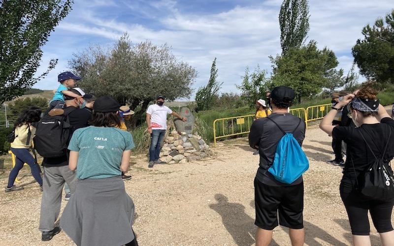 Ruta de senderismo: monumento al poeta Charlie Donelly en Rivas Vaciamadrid