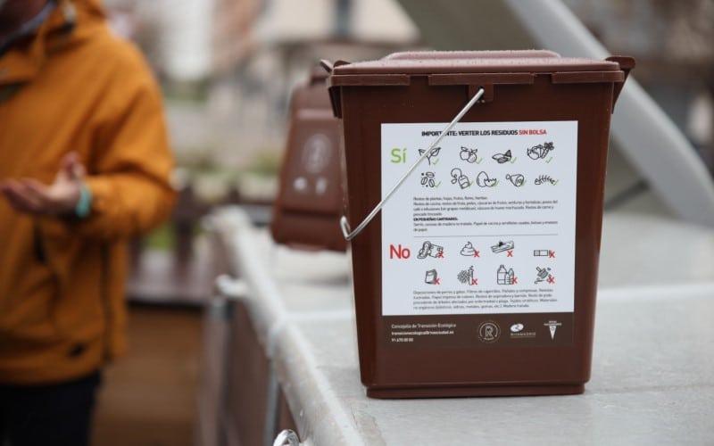 Cubo utilizado en el proyecto de compostaje comunitario de Rivas Vaciamadrid