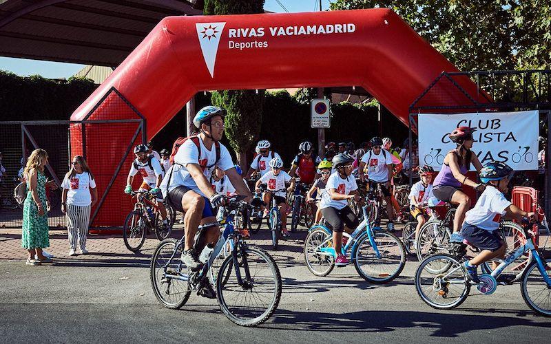 Participantes en una edición anterior del Día de la Bici en Rivas