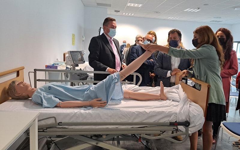 Inauguración del Centro de Formación en Profesiones Biosanitarias de HM Hospitales en Rivas Vaciamadrid (©Diario de Rivas)