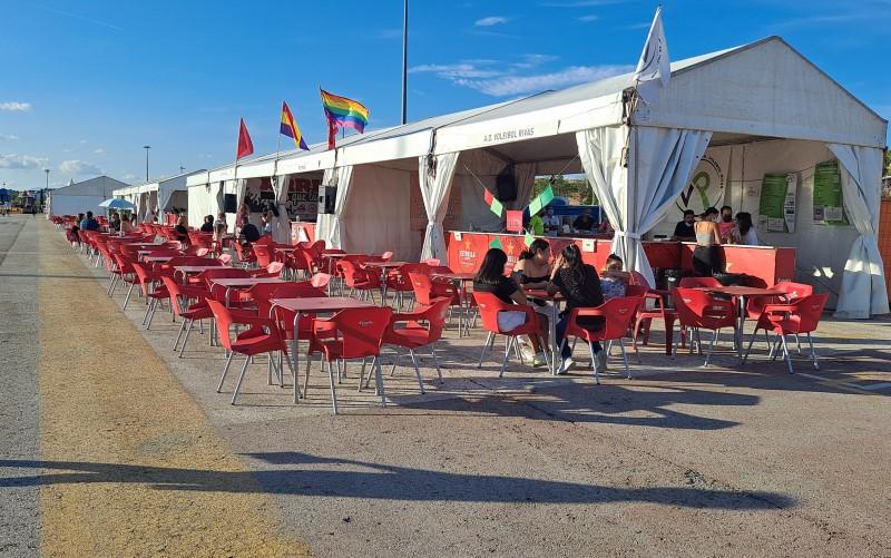 Reservar para luego no ir: cientos de plazas de casetas y espectáculos se quedan vacías en las fiestas de Rivas