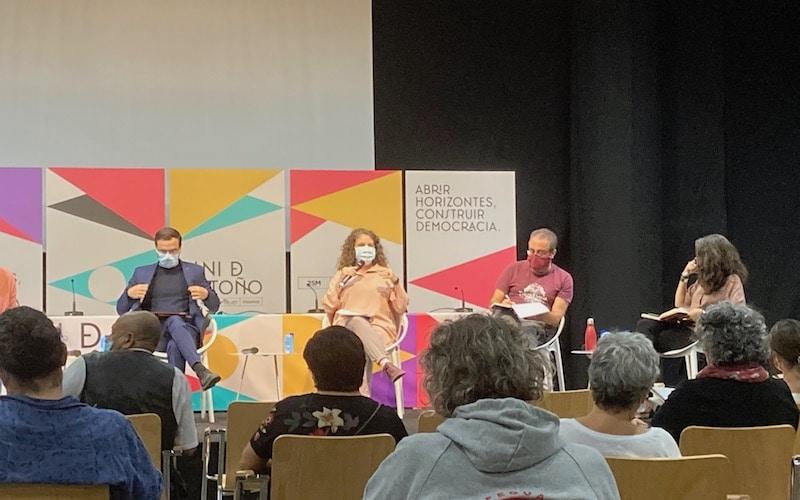 Alberto Garzón; Celsa Peiteado; Ángel Calle; e Irene de Miguel, durante la sesión formativa este viernes