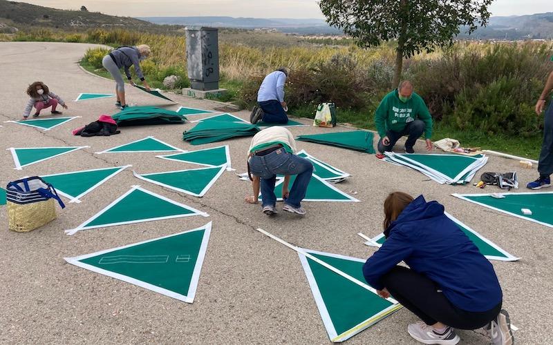 La plataforma Emergencia Educativa celebra un encuentro para llenar Rivas de triángulos verdes