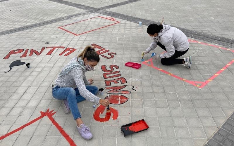 El Proyecto Rayuela 'conquista' nuevos espacios para el juego en el barrio de La Luna de Rivas