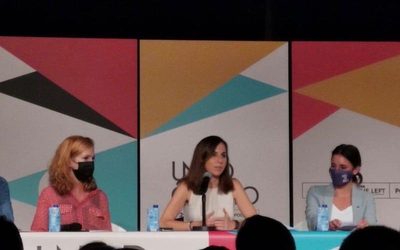 Ione Belarra, ministra de Derechos Sociales y Agenda 2030; Irene Montero, ministra de Igualdad; y Lilith Verstrynge, secretaria de organización de Podemos, durante el acto de presentación de la 'Uni' de Otoño en Rivas